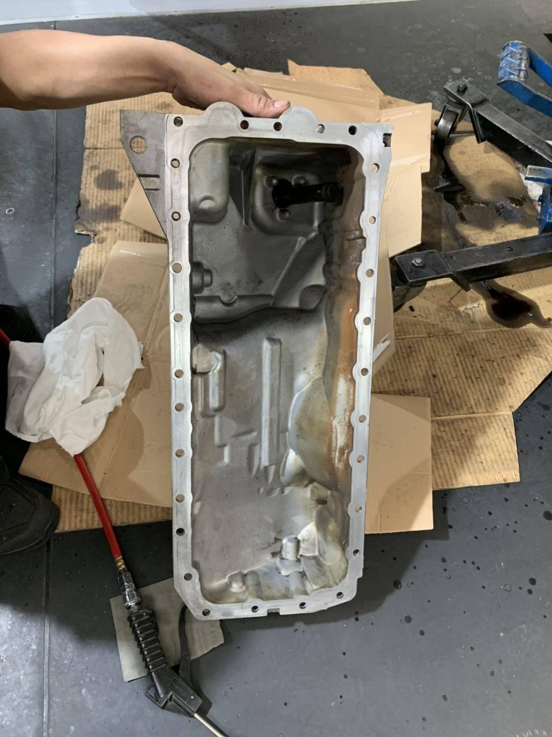 【振傑汽車】寶馬BMW 335i 底盤漏油#儀錶板亮#BWM維修推薦