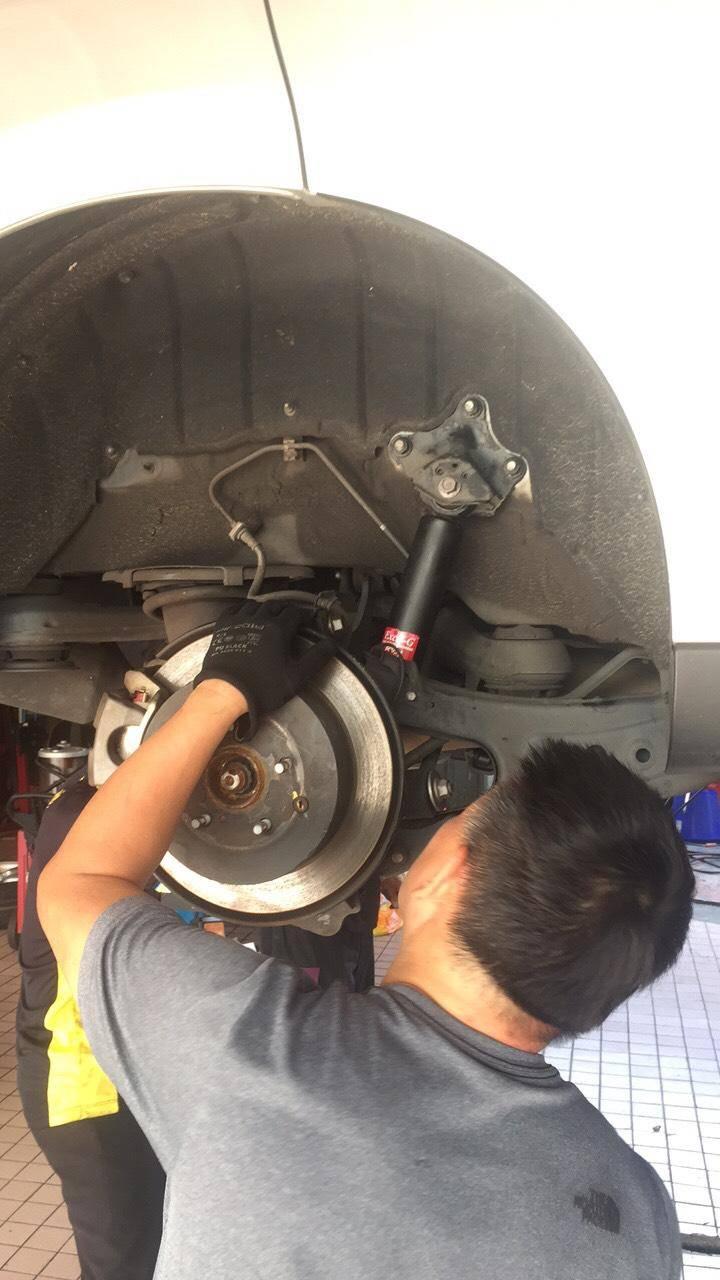 【賽特汽車】LEXUS RX350 底盤異音#避震器故障#避震器漏油