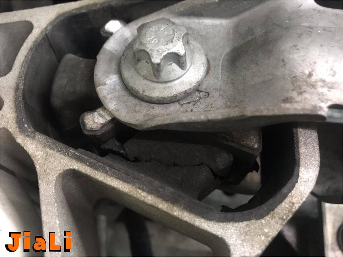 【JiALi嘉利汽車】賓士/BENZ W176 A45 AMG #引擎抖動問題#耗材更換