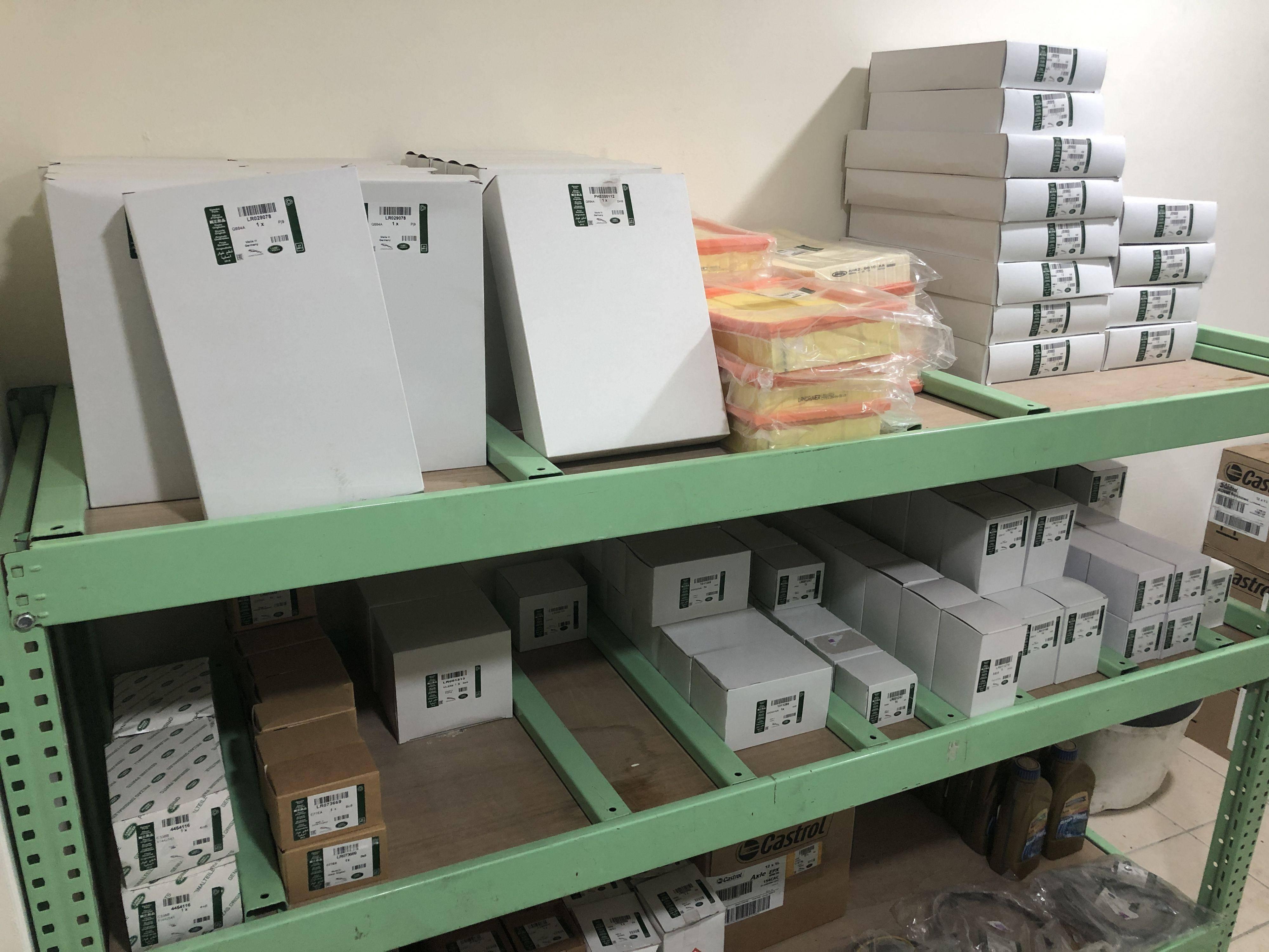 LAND ROVER、JAGUAR原廠零配件,比外面的材料行還齊全呢。