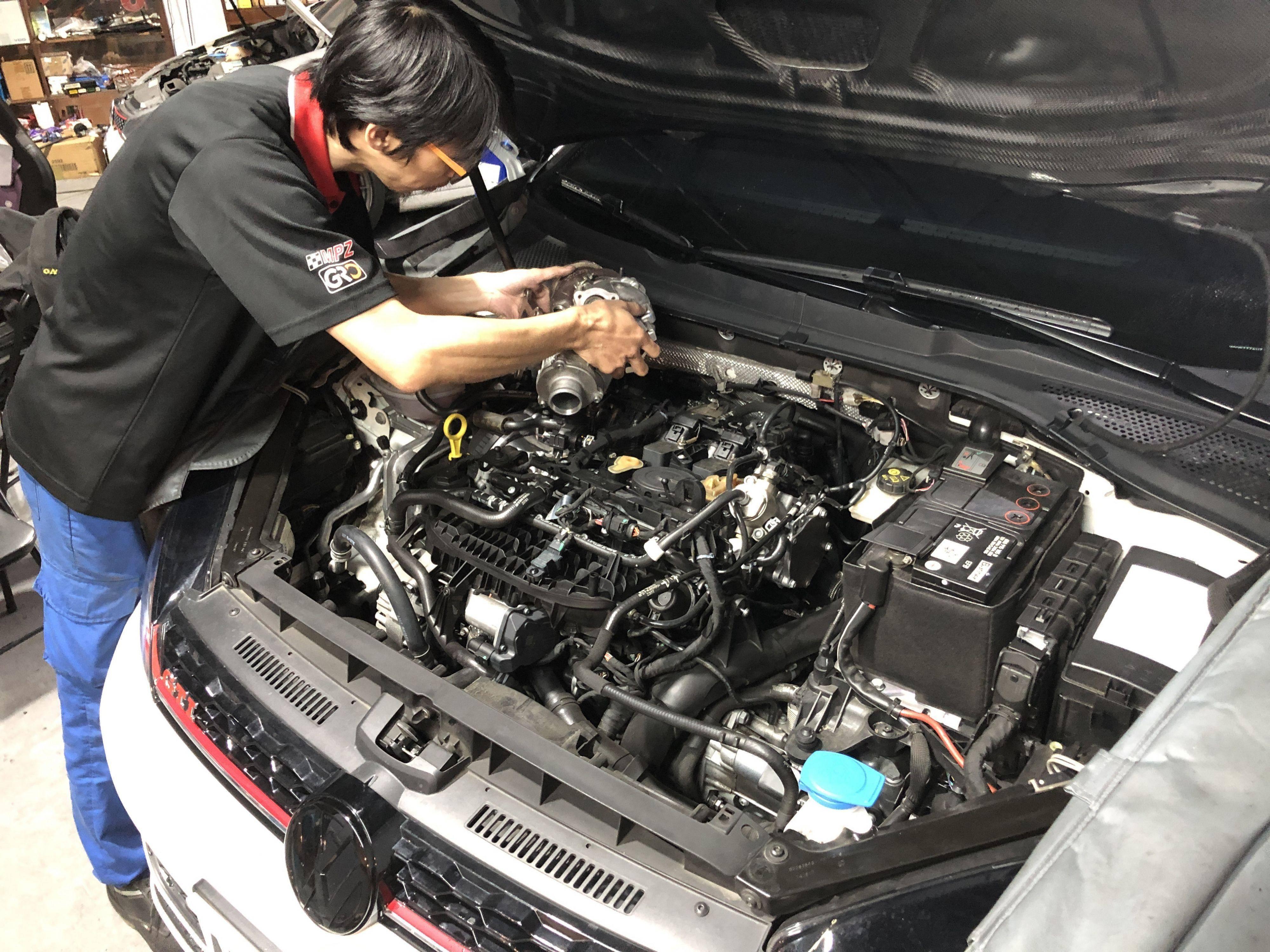 福斯GOLF7.5代GTI渦輪漏油更換施工情況。