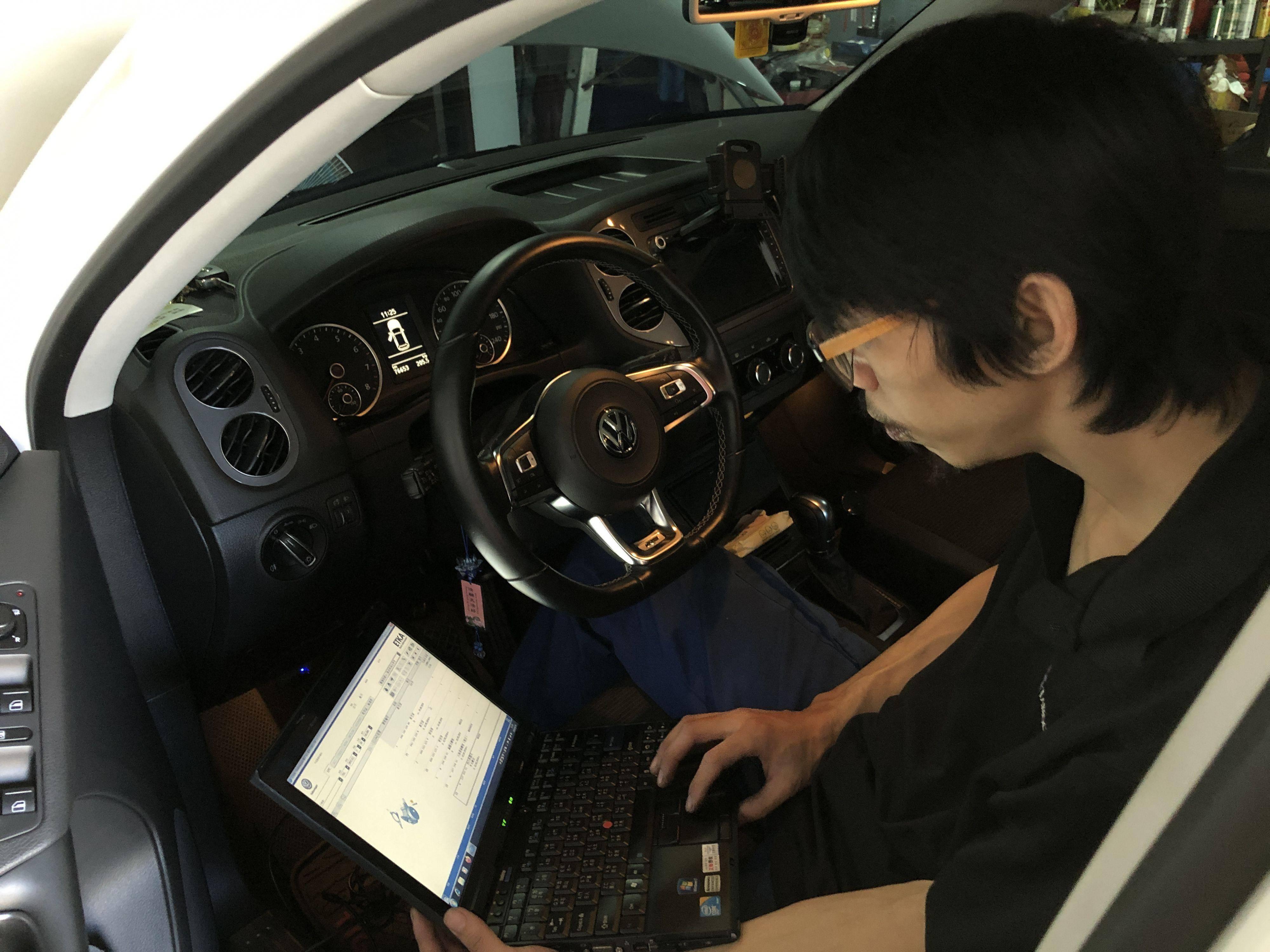 GOLF車輛系統故障問題,原廠電腦診斷查修情況。