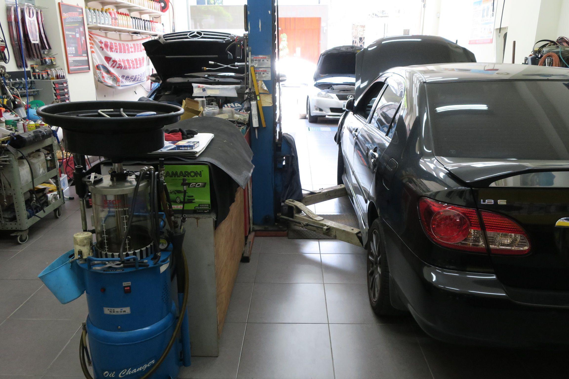 OiCar億霖專業保修廠內保持的十分乾淨