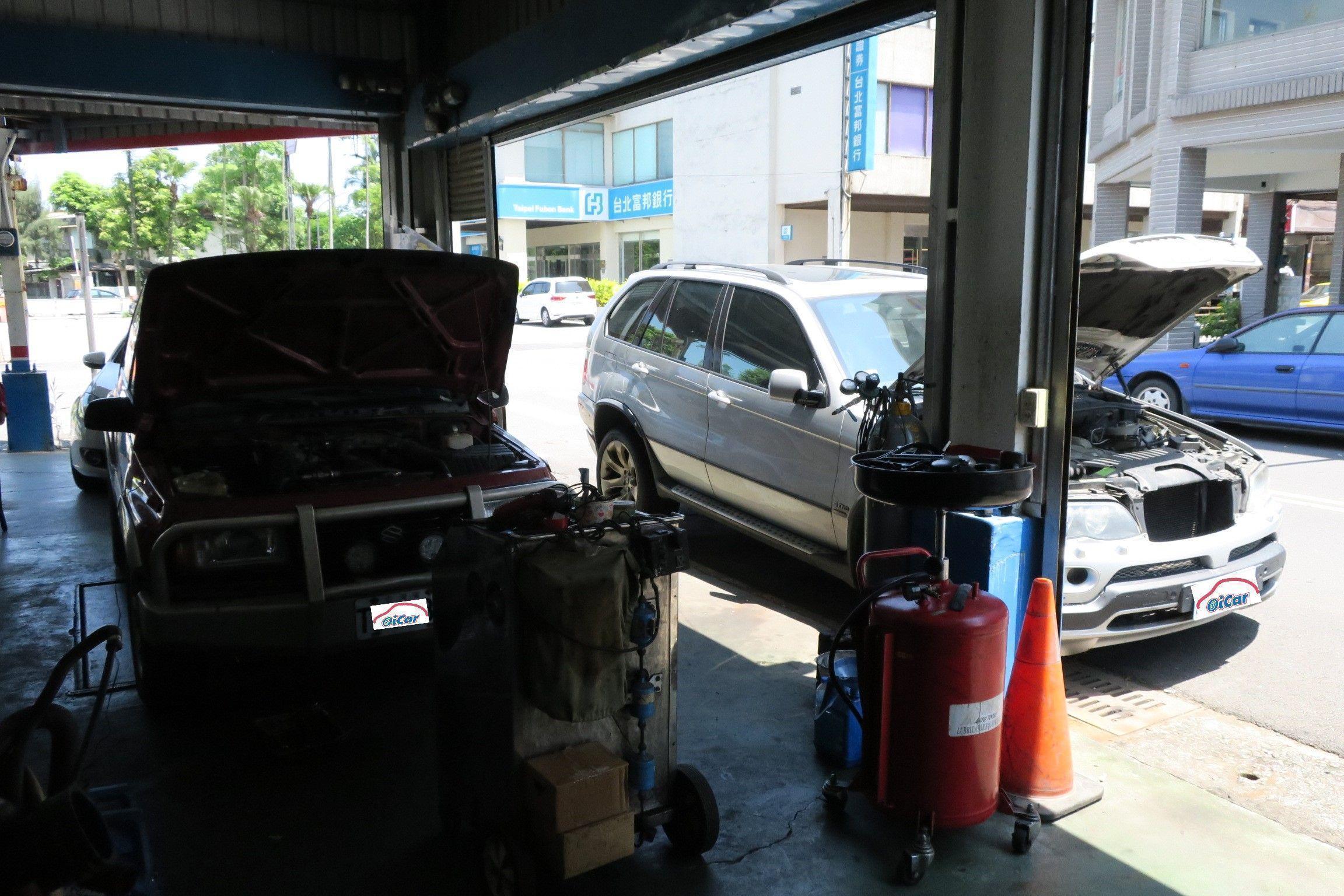 OiCar堡騰汽修廠外左側也可停放約三台保修車輛