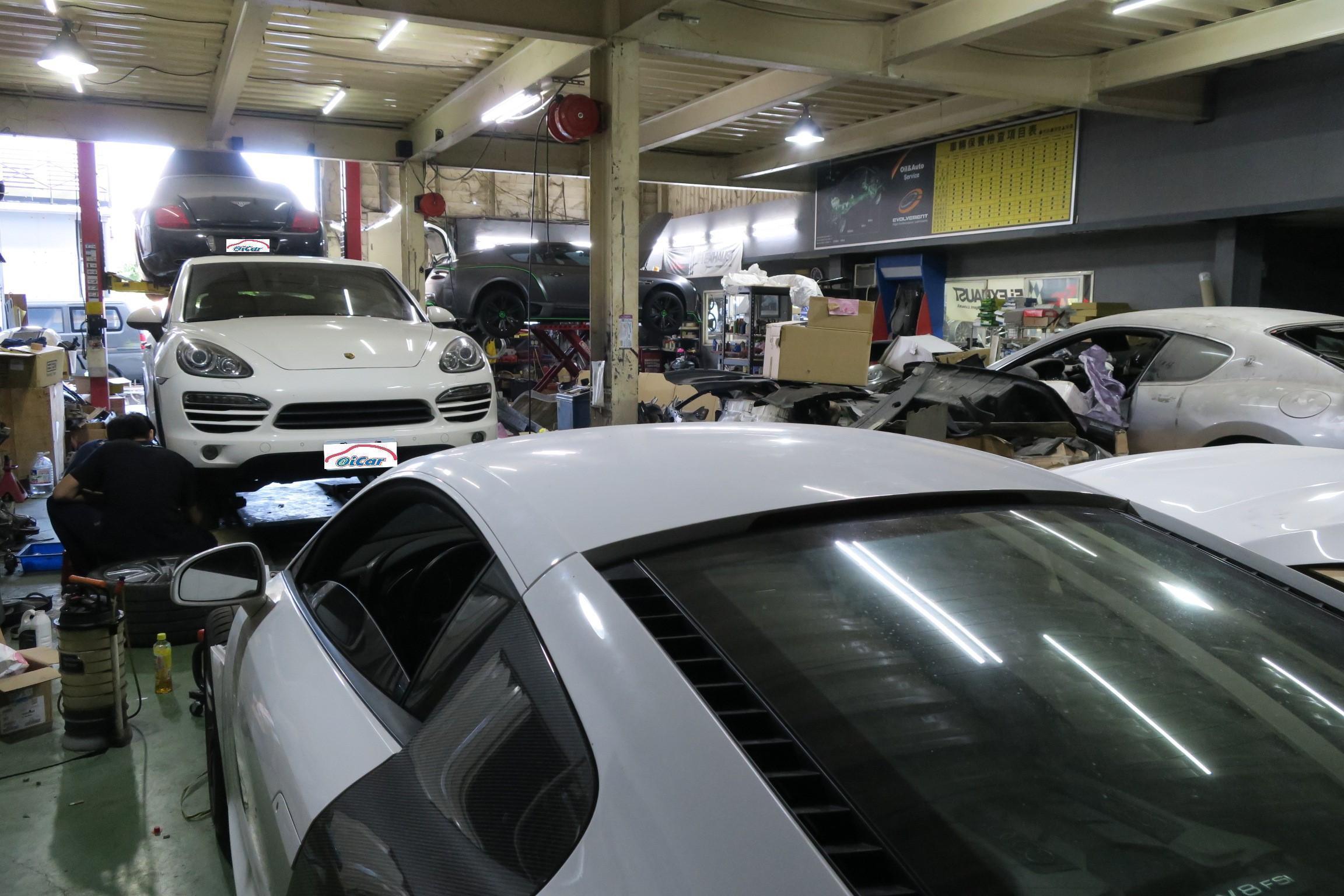 一眼望去只都是歐系與超跑車種,看的出來車主們對奇岩自動車的信任。