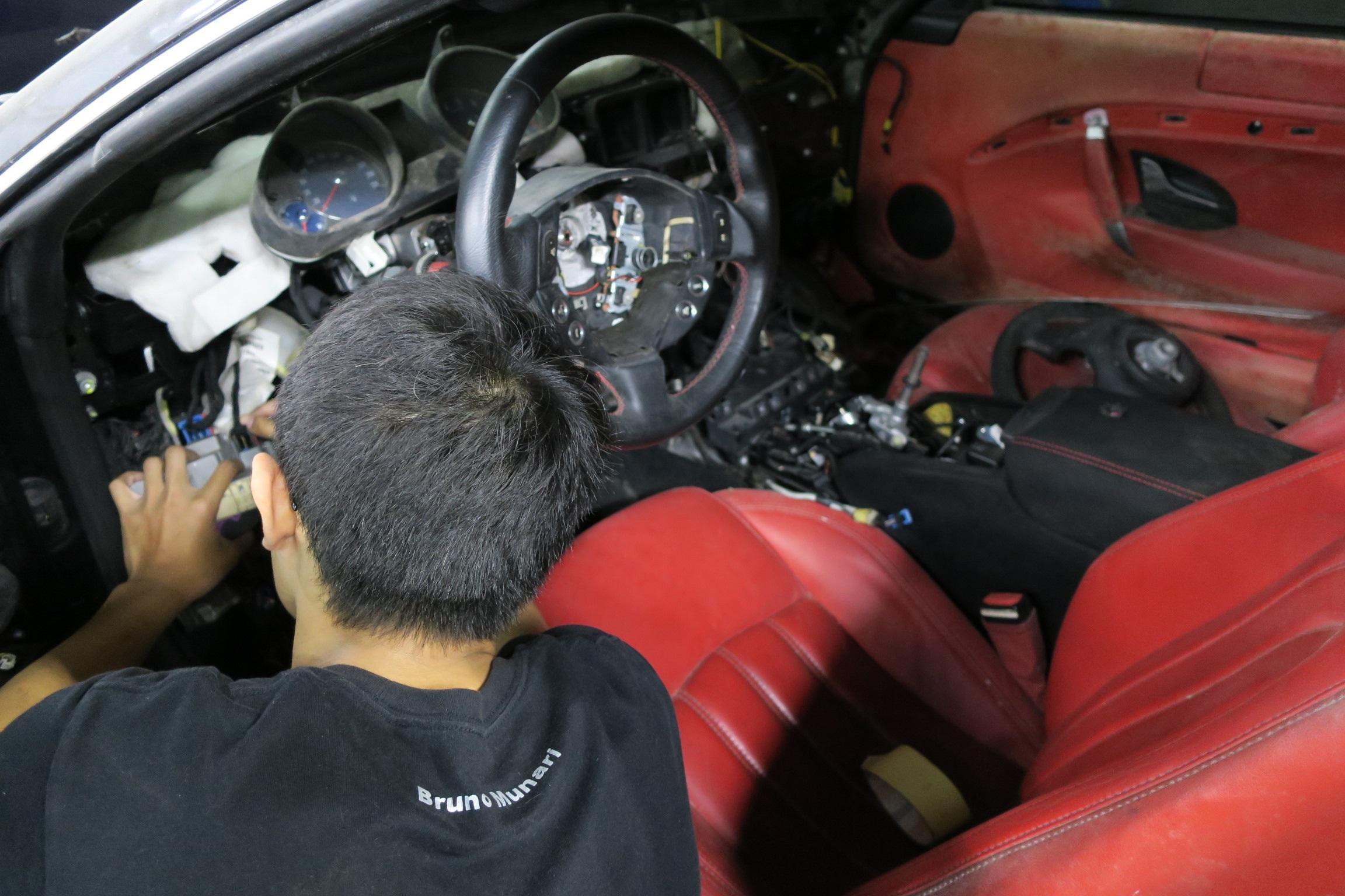 奇岩自動對於超跑事故包修,也算是業界的行家唷!