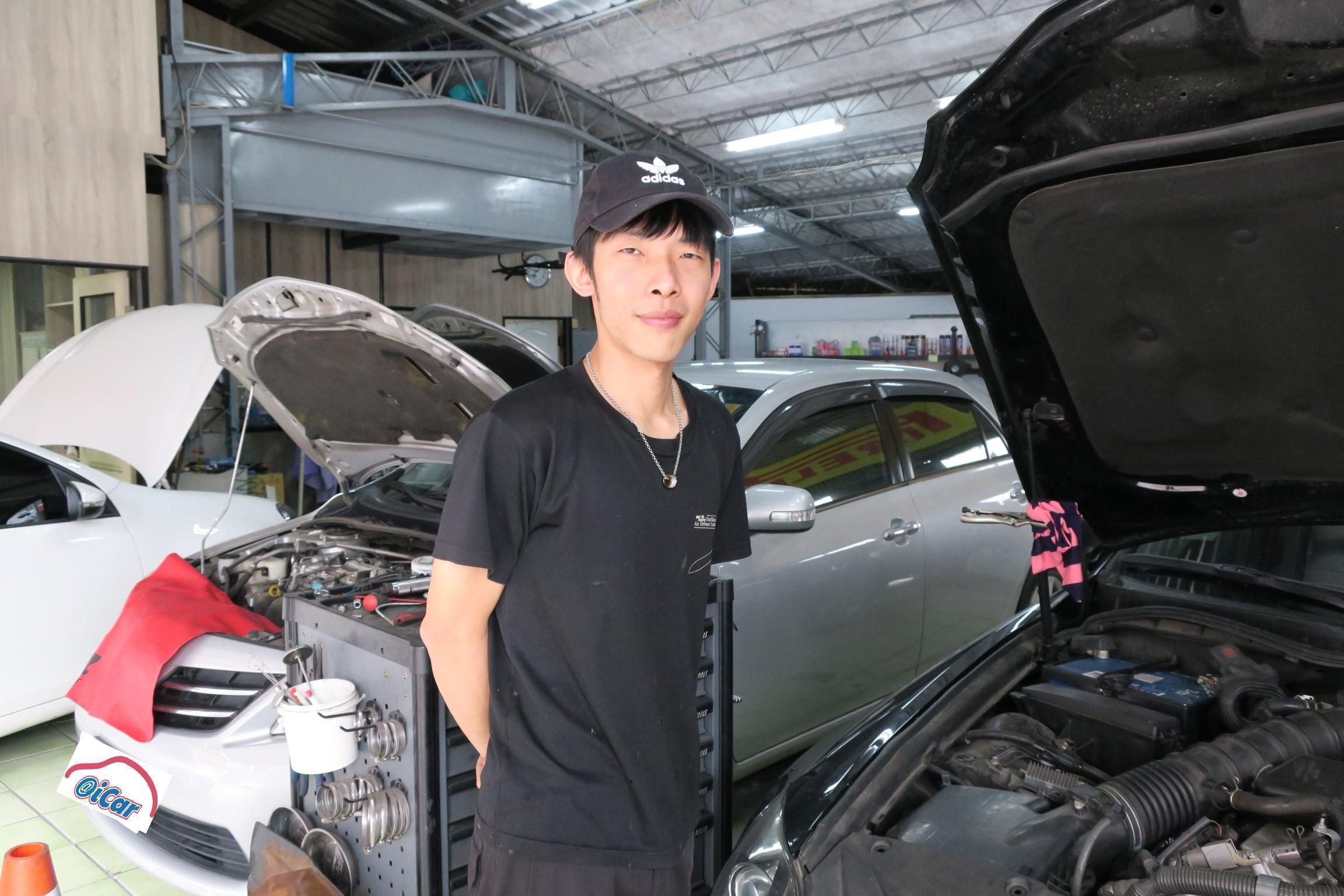 樺業汽車歡迎您的蒞臨,我們提供專業、用心的汽車保修技術服務。