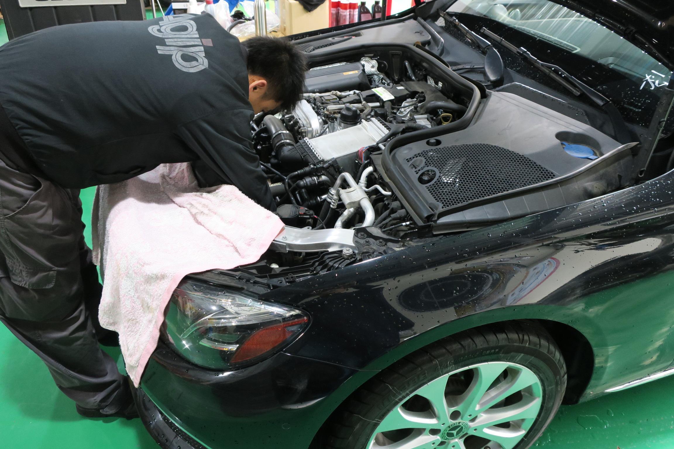 BENZ E300引擎異音問題檢修。