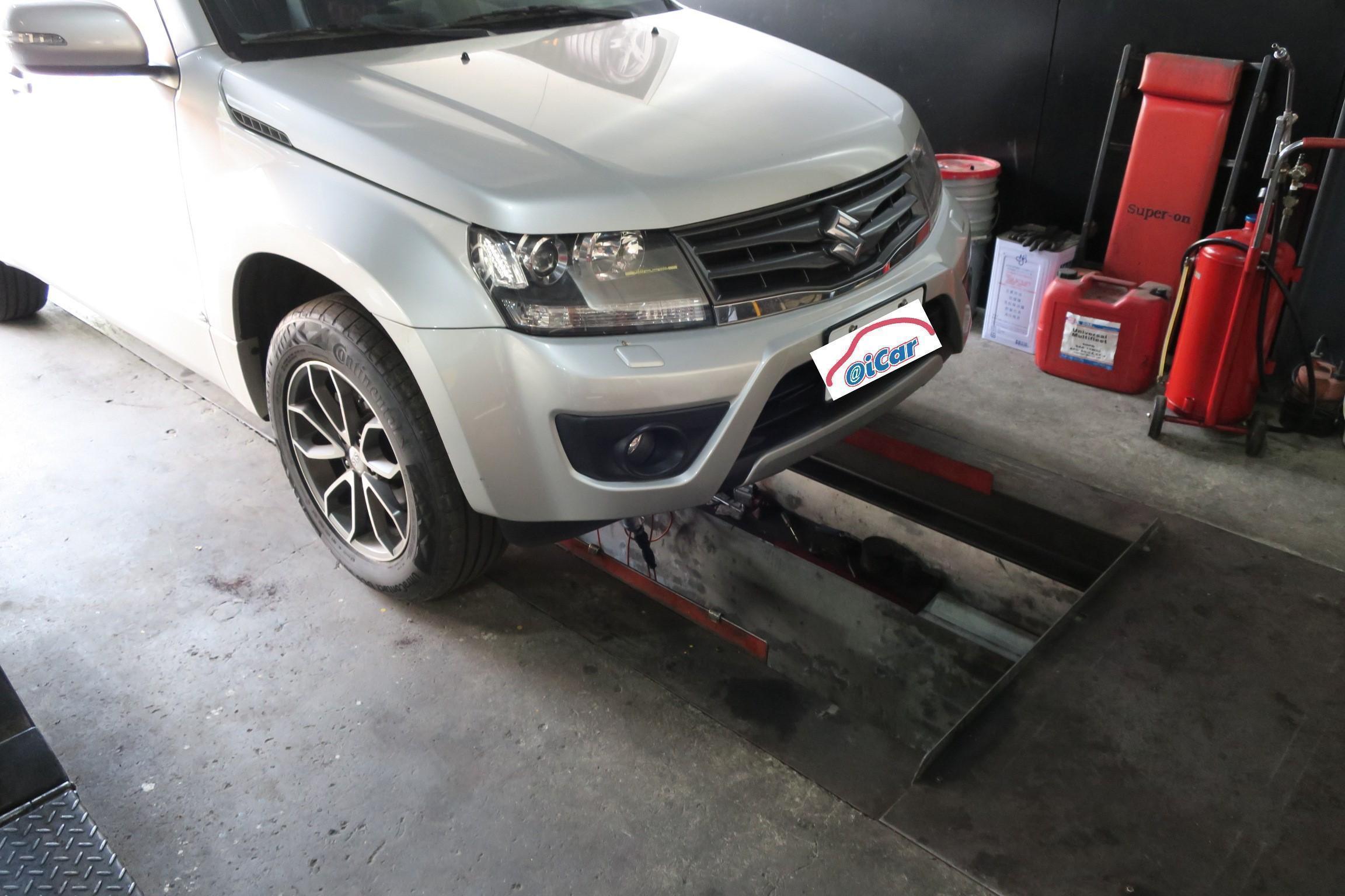 (圖4)快速保養道免撐車就可以進行保養及底盤查修動作,相當便利。