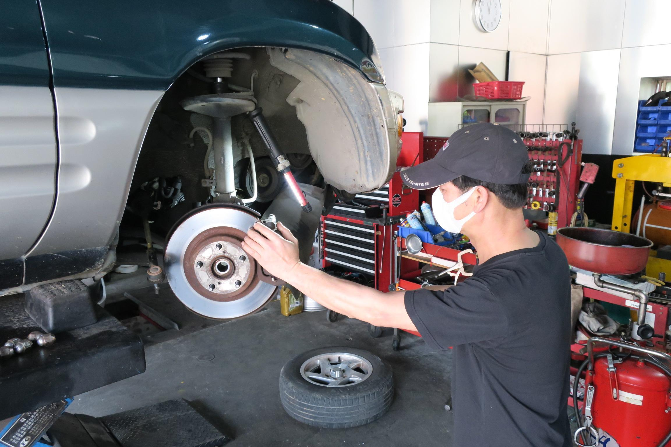 (圖6)TOYOTA RAV4煞車系統維修施工。