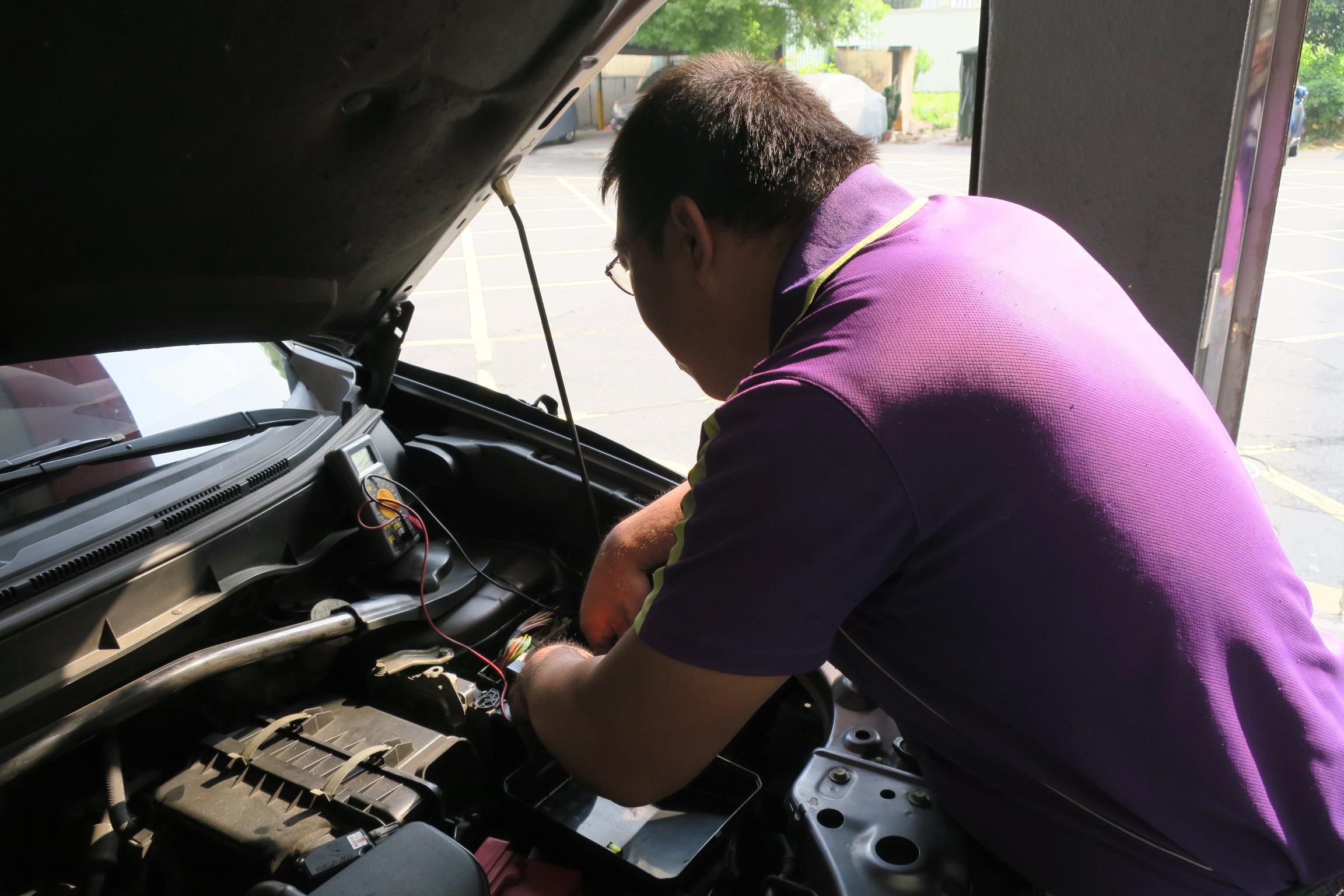 MITSUBISHI車輛線路查修施工情況。