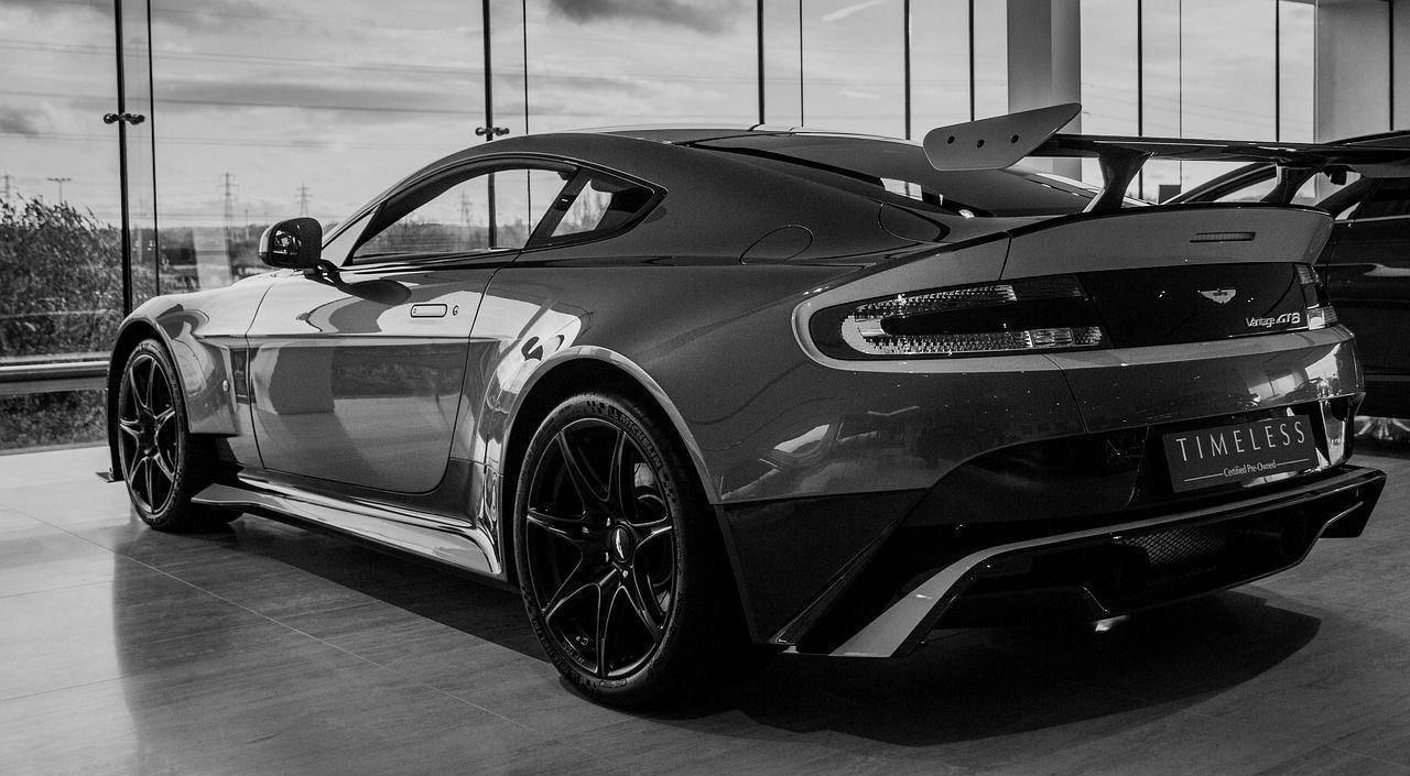 OiCar Aston Martin